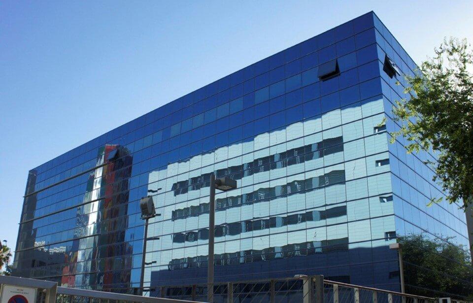 Edificios administrativos archivos mamglass for Oficina bbva malaga